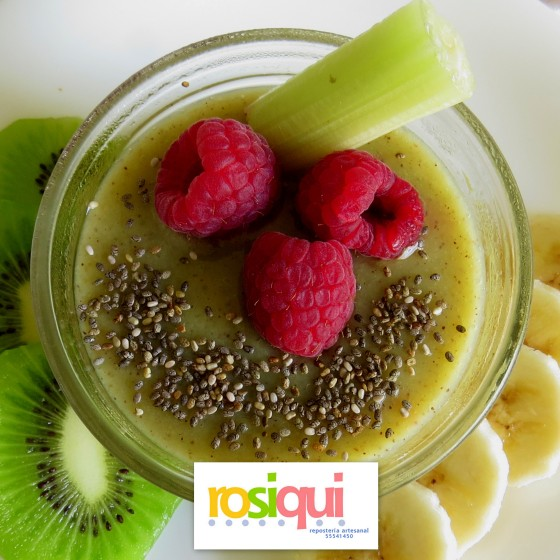 smoothie-bowl-kiwi